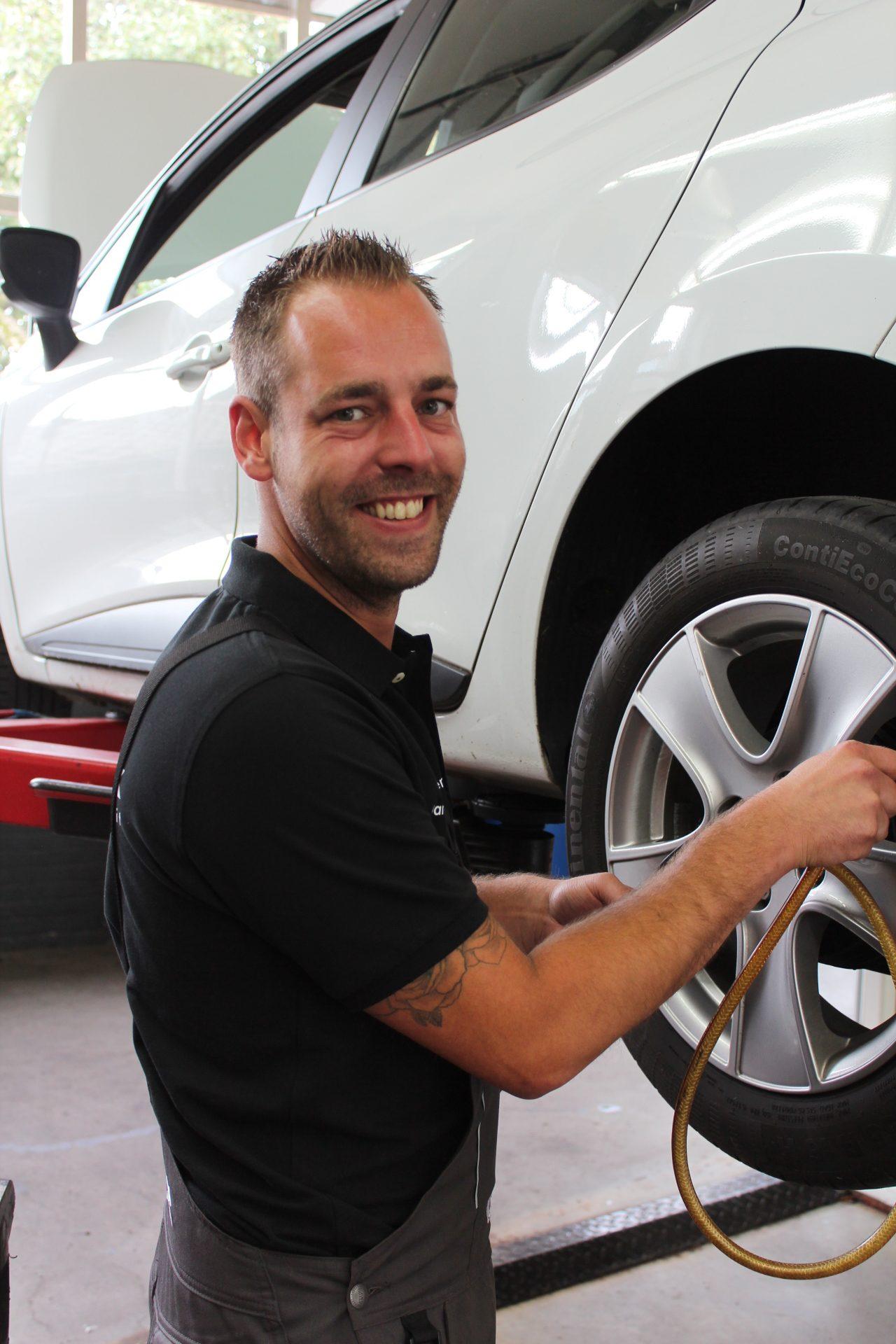 Autobedrijf Blekkink, Danny, Eerste Auto Technicus, APK keurmeester